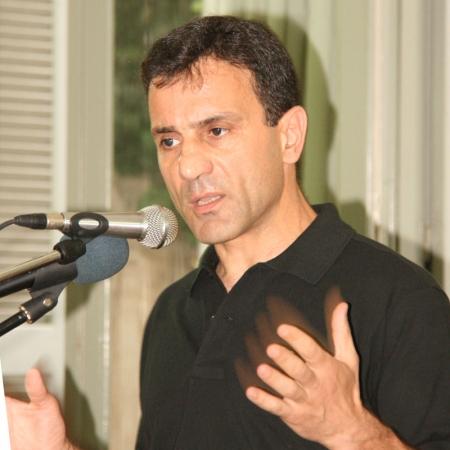 lapavitsas2012