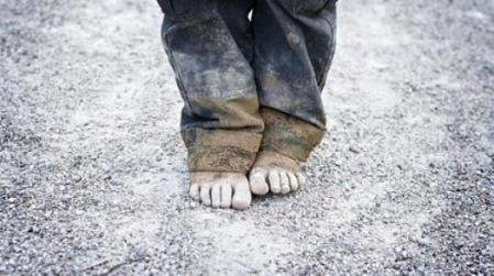 119856-child-poverty-poor-1200-inc (1)